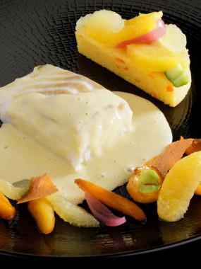 Dos de cabillaud juste température, son émulsion bergamote et sa polenta aux agrumes